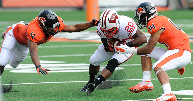 Oregon State's D emerges against Wisconsin