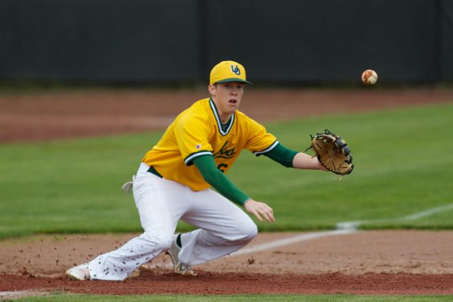Duck club baseball team undefeated, ranked 7th in nation
