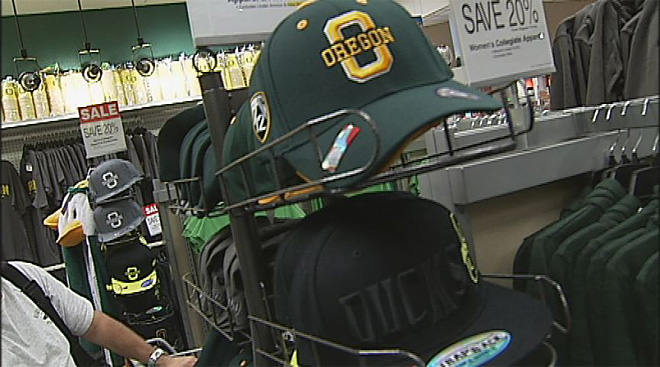 Oregon Duck gear in demand as 2013 season approaches (16)