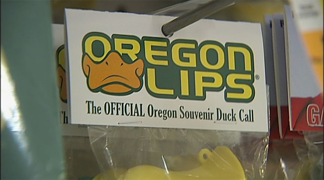 Oregon Duck gear in demand as 2013 season approaches (17)