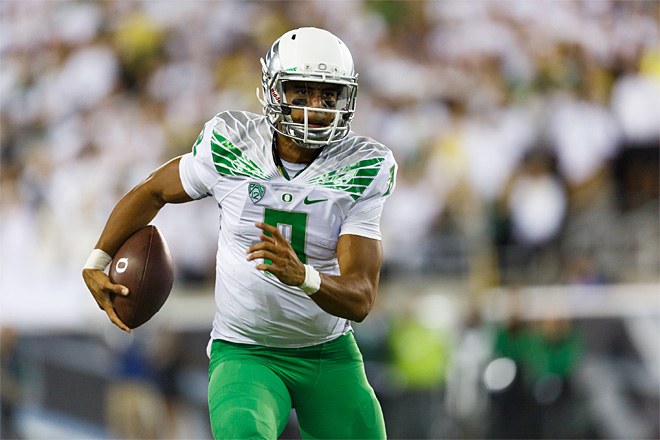 Oregon blows by South Dakota, 62-13 in season opener
