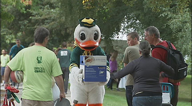 Oregon Unpacks the Quack for 2012 (9)