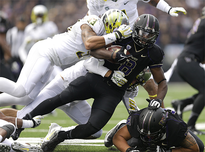 Mariota leads No. 2 Ducks past Huskies 45-24