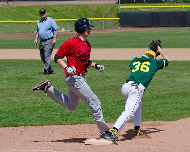 Oregon club baseball versus Seattle (2)