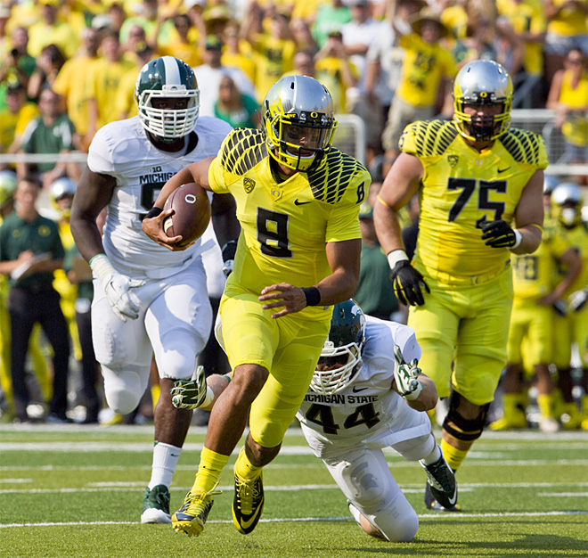 Inside the Pac: Ducks down Sparty, Beavers hold off 'Bows