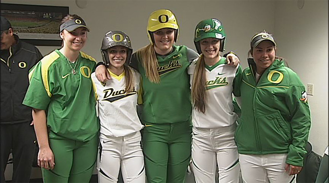 Oregon unveils new softball uniforms