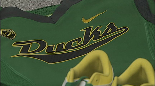 Oregon unveils new softball uniforms (3)