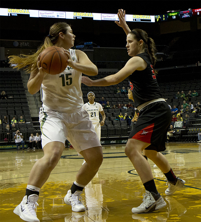 Oregon Women beat Cal State Northridge 96-61