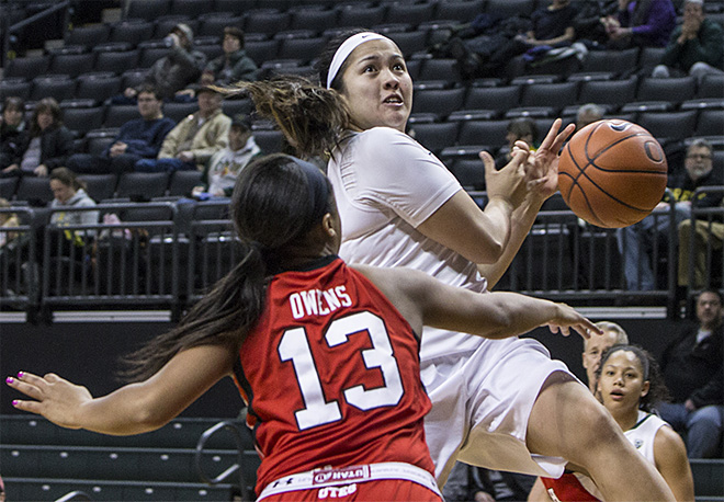 Oregon women beat Utah 93-71 - 06