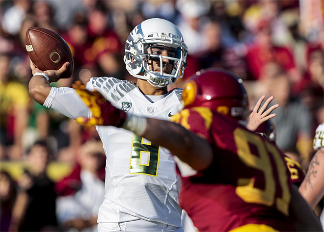 Marcus Mariota and the Ducks get back to Fiesta Bowl work
