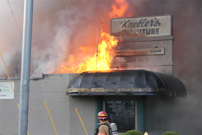 Raw Video: Roseburg furniture store burns