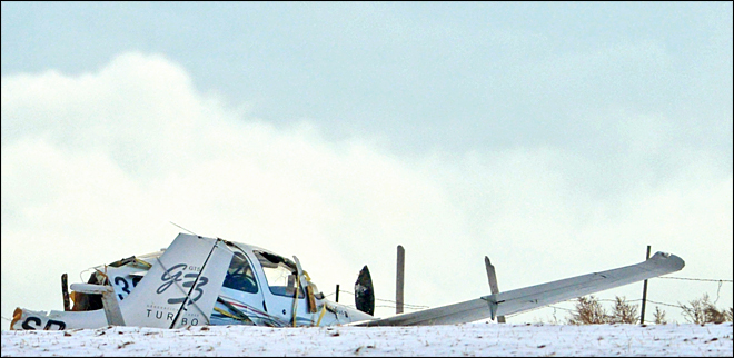 Weather stops Idaho plane crash recovery; 5 dead