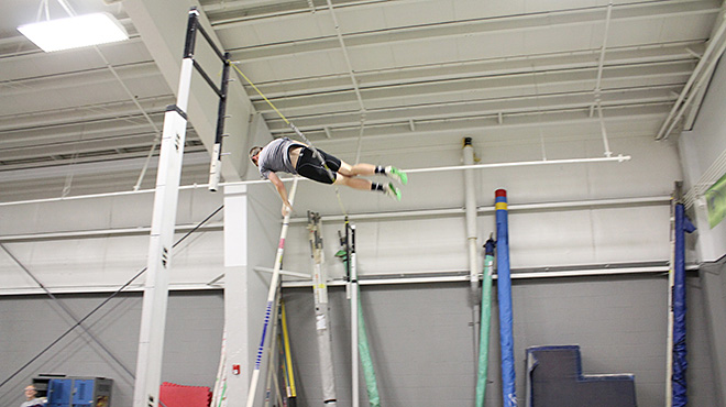 Raise the Bar pole vault club (1)