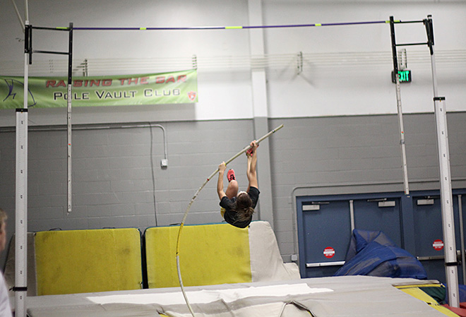 Raise the Bar pole vault club (13)