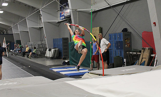 Raise the Bar pole vault club (4)