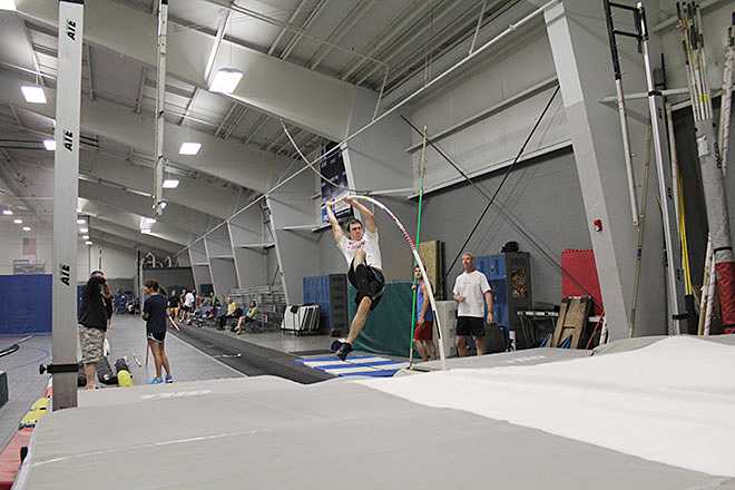 Raise the Bar pole vault club (5)
