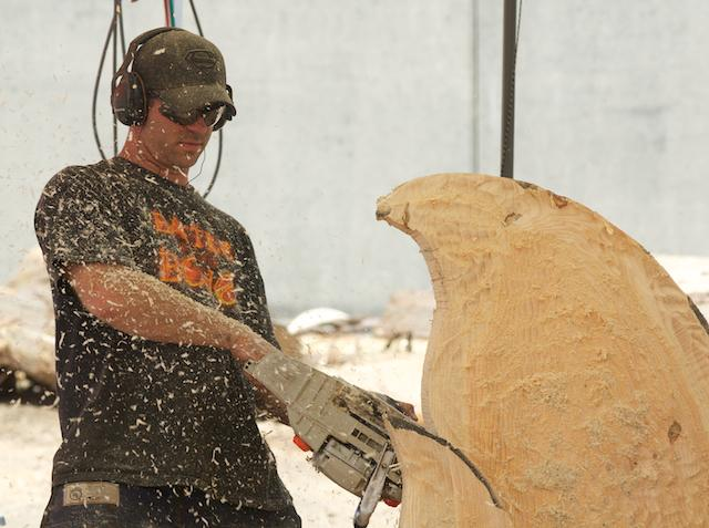 Reedsport Chainsaw Sculpting Championships 2012 (9)