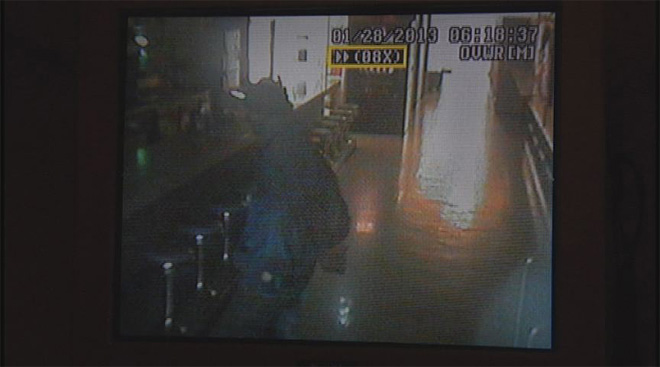 Rooftop burglar breaks in to bowling alley (2)