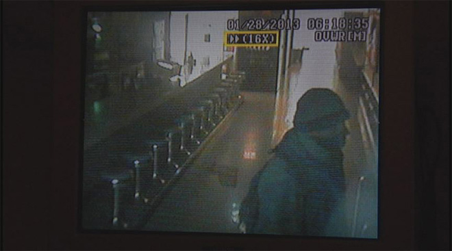 Rooftop burglar breaks in to bowling alley (3)