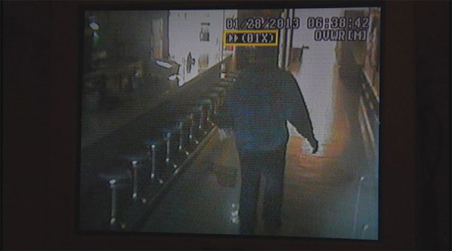 Rooftop burglar breaks in to bowling alley (5)