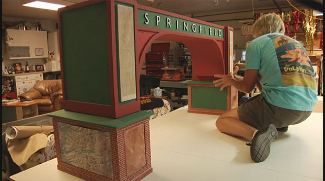Scale model of Springfield Arch on display (4)