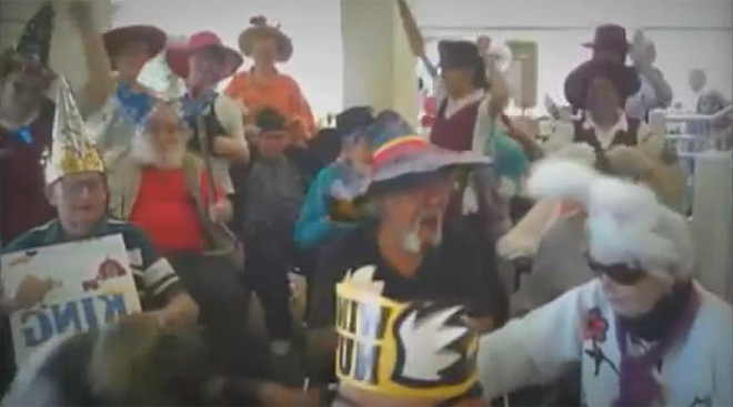 Senior living community does the Harlem Shake (5)
