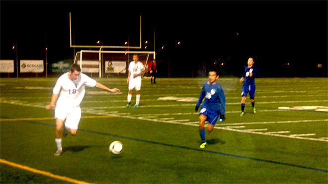 South Eugene beats South Medford to keep playoff hopes alive (3)