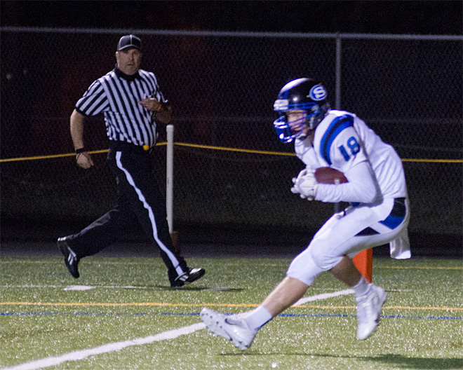South Medford downs South Eugene, 32-7