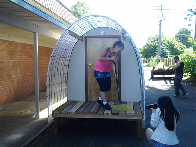 Homeless mom-to-be has new hut to call home