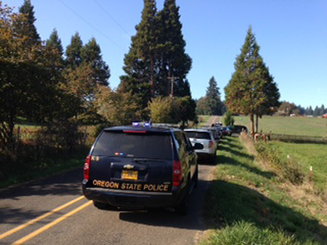 Sheriff: SWAT responds to standoff south of Eugene