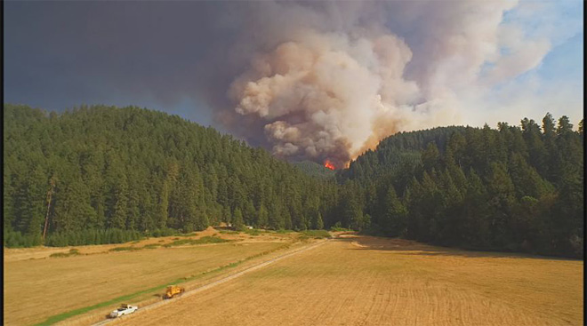 Stouts Fire east of Canyonville grows to more than 15,000 acres