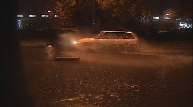 Streets flood in Eugene November 19 (2)
