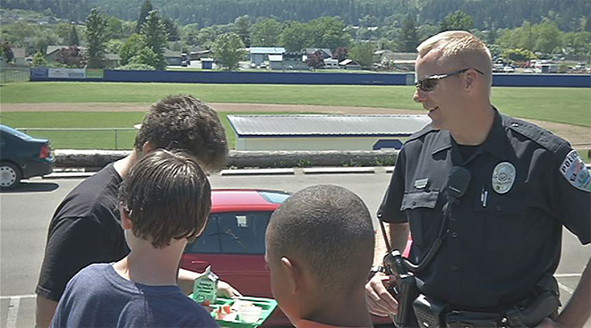 For 10 years, cop has patrolled the halls of Sutherlin schools