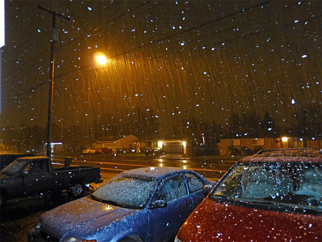 Suzanna Tiffany Fitch photo of snow in Maxwell and River Road area Monday night