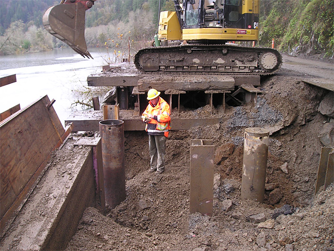 Sweet Creek Road repair along Siuslaw River (105)