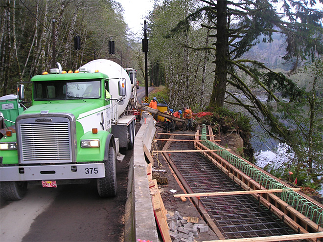 Sweet Creek Road repair along Siuslaw River (89)