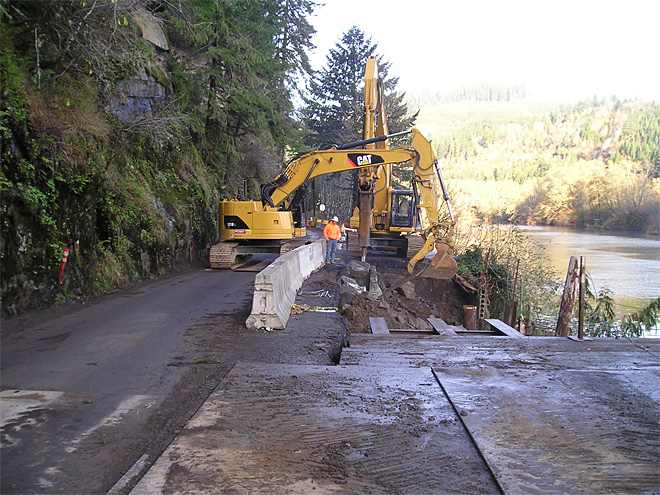 Sweet Creek Road repair along Siuslaw River (92)