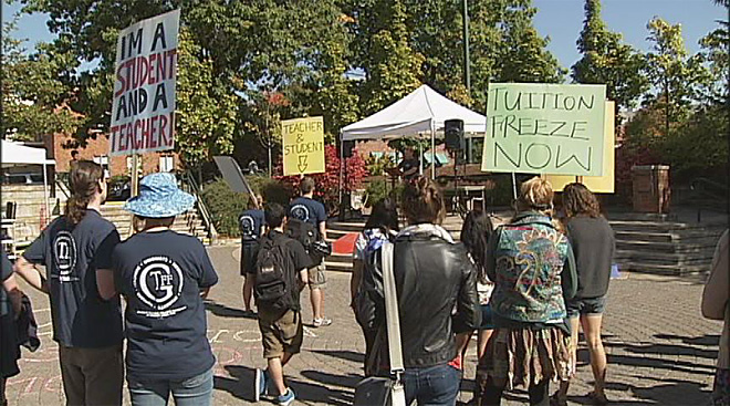 Students protest tuition increases at UO