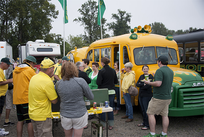 Tailgating as Oregon hosts Tennessee - 19 - Photo by Tristan Fortsch