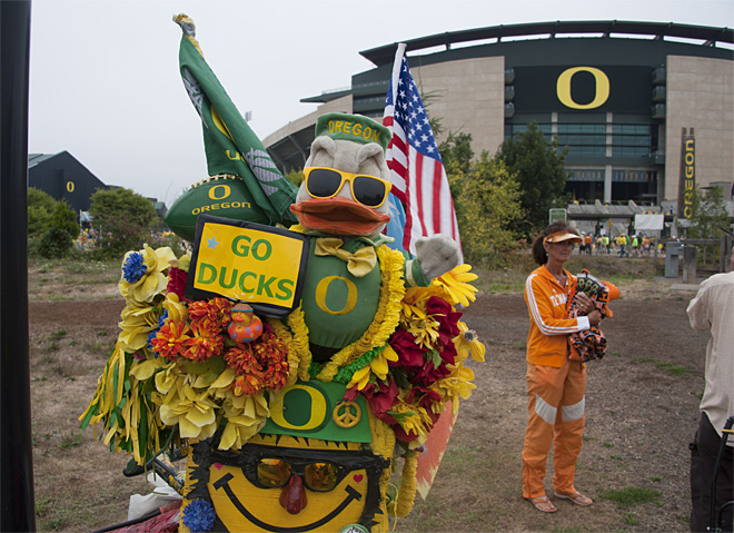 Tailgating as Oregon hosts Tennessee - 22 - Photo by Tristan Fortsch