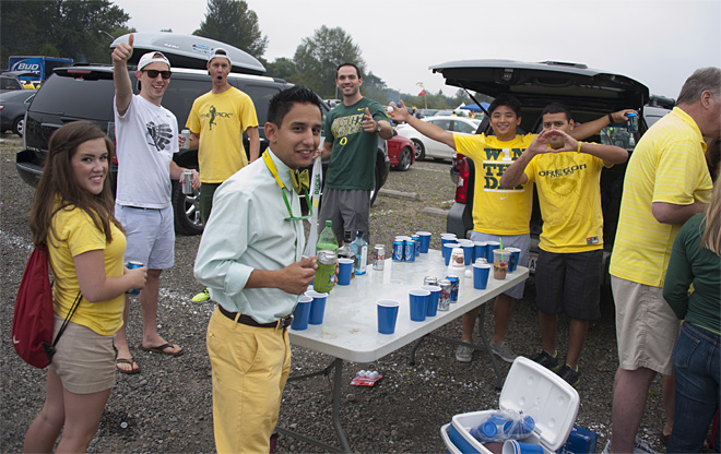 Tailgating as Oregon hosts Tennessee - 23 - Photo by Tristan Fortsch