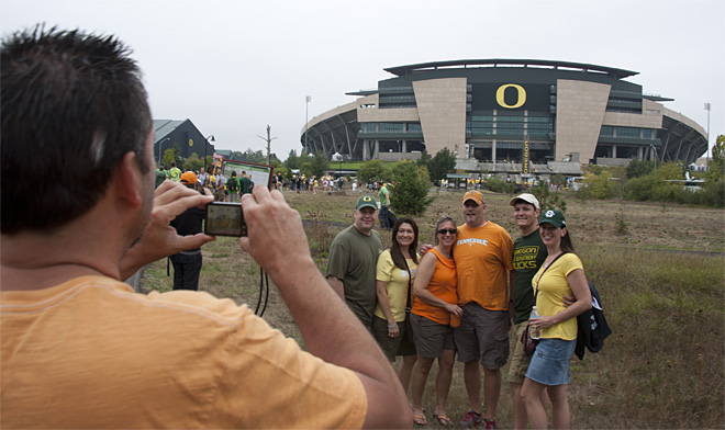 Tailgating as Oregon hosts Tennessee - 31 - Photo by Tristan Fortsch