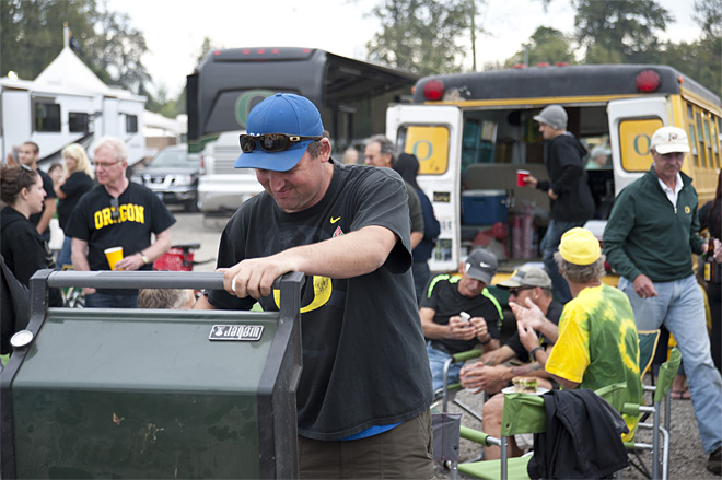 Tailgating at Autzen - Oregon vs Arizona