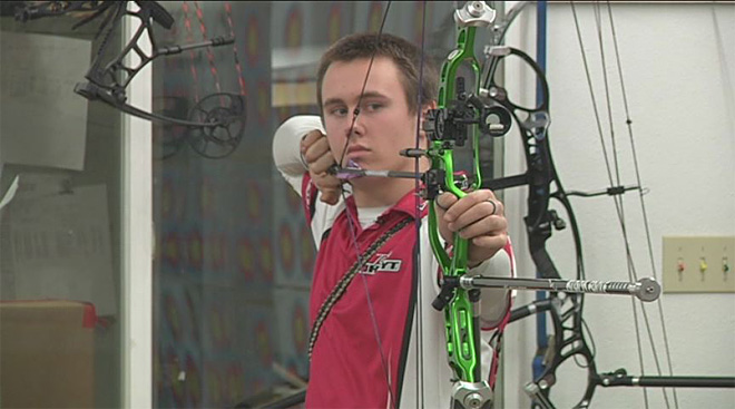 Oakland teen returns from Vegas with archery title