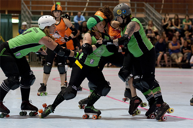 The Big O - Emerald City Roller Girls vs Sin City Roller Girls -13- Photo by Tristan Fortsch KVAL News