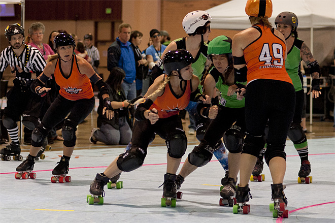 The Big O - Emerald City Roller Girls vs Sin City Roller Girls 05 - Photo by Tristan Fortsch _ KVAL News