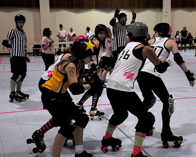 The Lane County Concussion and Emerald City Roller Girls host The Big O -01- Photo by Noah Gurevich_Oregon NewsLab