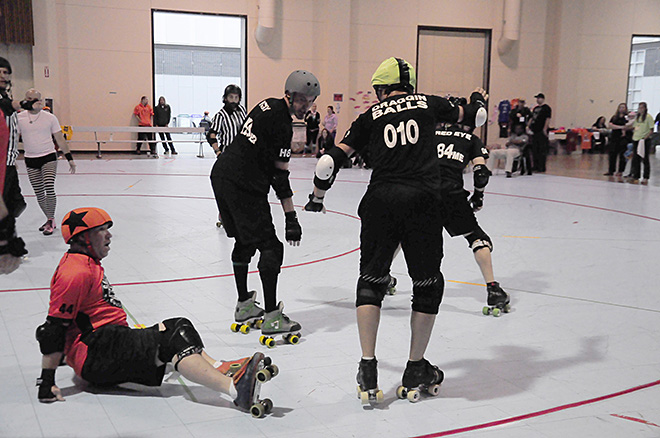 The Lane County Concussion and Emerald City Roller Girls host The Big O -02- Photo by Noah Gurevich_Oregon NewsLab