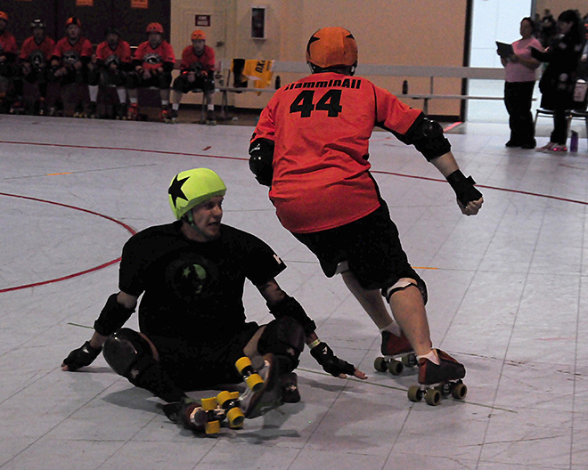The Lane County Concussion and Emerald City Roller Girls host The Big O -04- Photo by Noah Gurevich_Oregon NewsLab