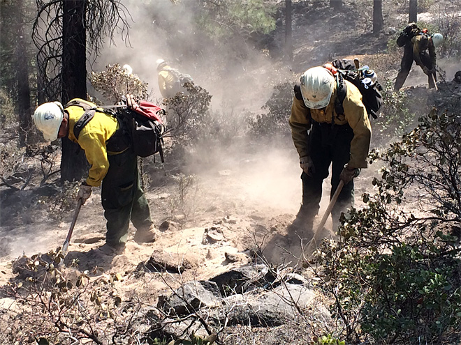 Two Bulls Fire June 9 with Lakeview BLM hand crew (4)